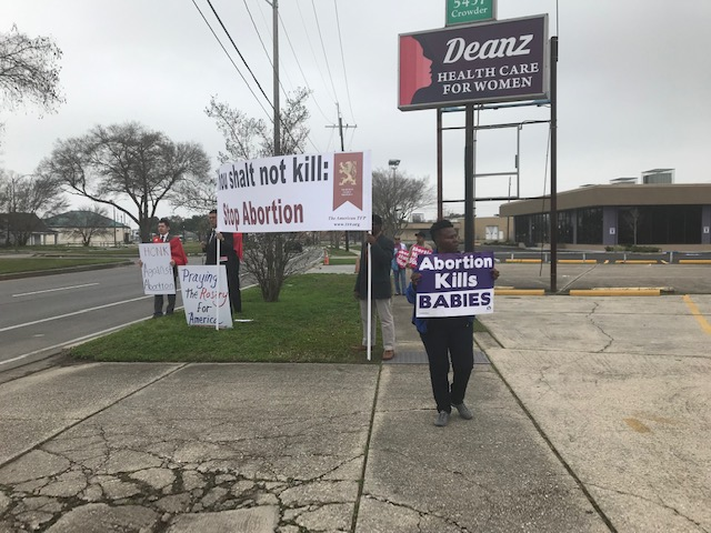 Rosary Rally to End Abortion at Deanz Health Care for Women